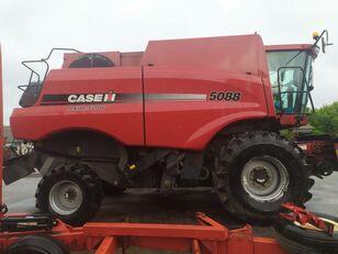 CASE IH Axial-Flow 5088 grain harvester