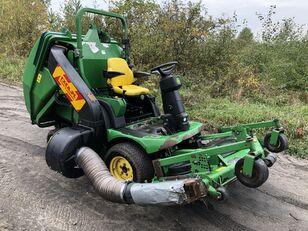 JOHN DEERE 1565 Series II 4x4 lawn tractor