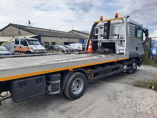 MAN TGL 8.210 tow truck